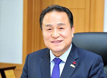 김영만 군위군수