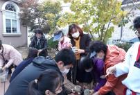교장선생님과 다육식물 심기